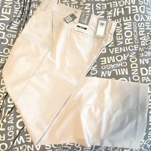 Men's Izod NWT golf pants